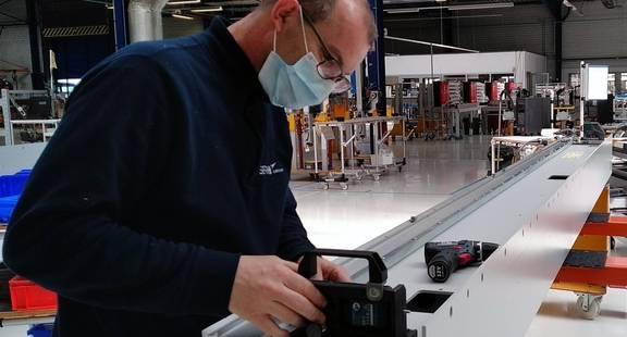 La fabrication de robots se poursuit dans l'usine du Groupe Sepro à La Roche sur Yon, France